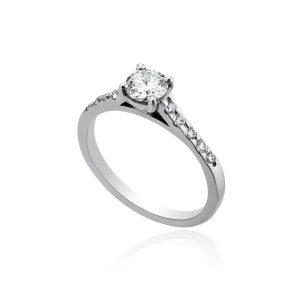 18ct White Gold Brilliant Cut Diamond Ring.