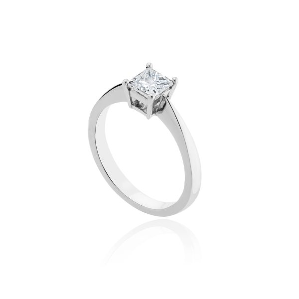 Platinum princess cut solitaire diamond ring