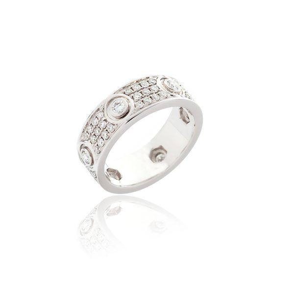 18ct White gold diamond cocktail ring.