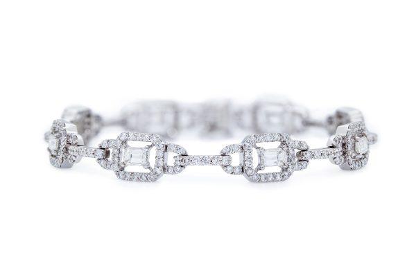 18ct White Gold Fancy Diamond Bracelet.