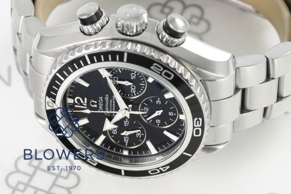 Omega mid-size Seamaster Planet Ocean Chronograph 222.30.38.50.01.001